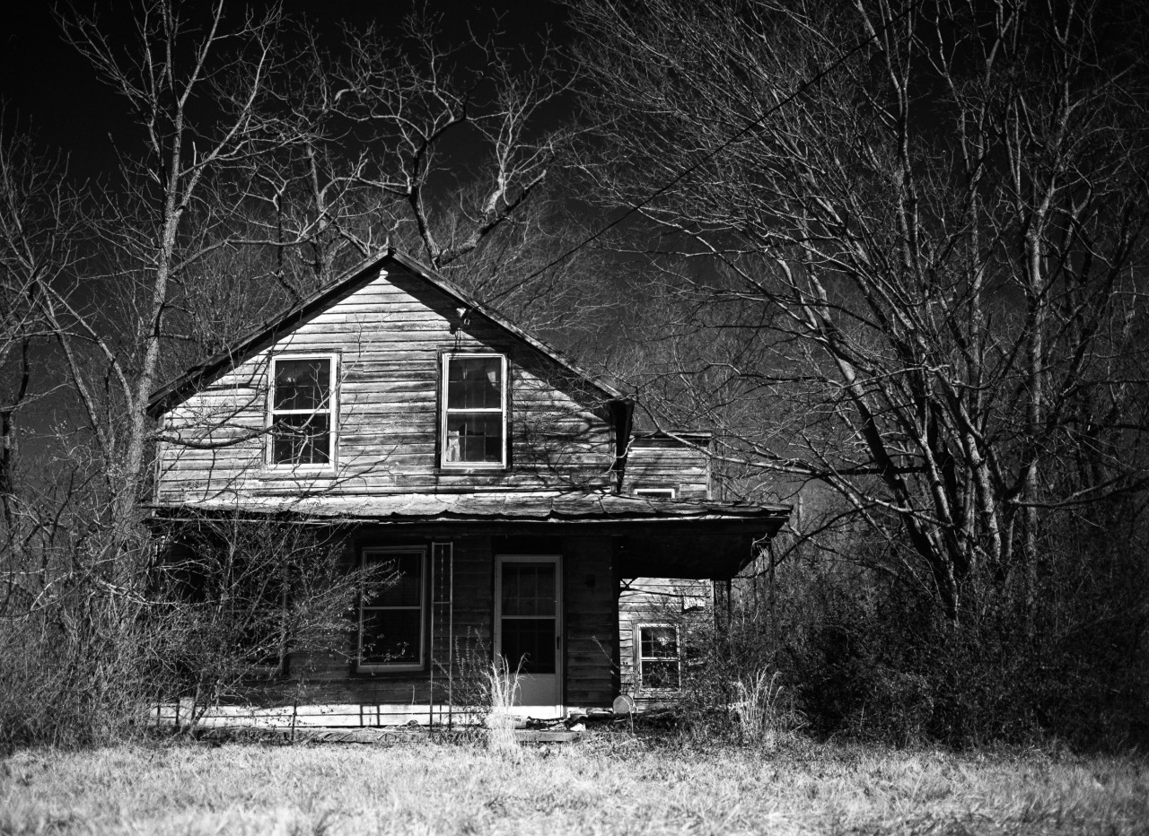Abandoned house on Route 5 near Richmond, VA